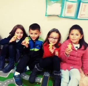 Para terminar la sesión, merendamos galletas de jengibre como las que aparecen en la historia. ¡Nos encantaron, estaban riquísimas!
